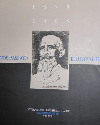 LIBRO _UN GRANDE PASSATO-IL RESTO E_ FUTURO